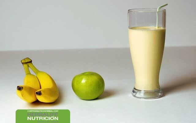 ¿Cómo preparar un desayuno saludable para bajar de peso?