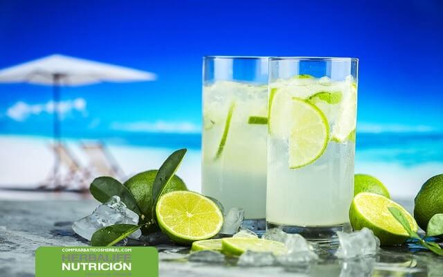 Receta de una limonada para quemar grasas