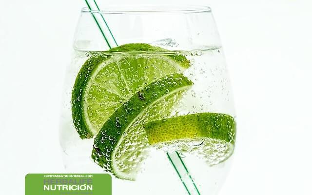 3 bebidas naturales para desintoxicar y bajar de peso