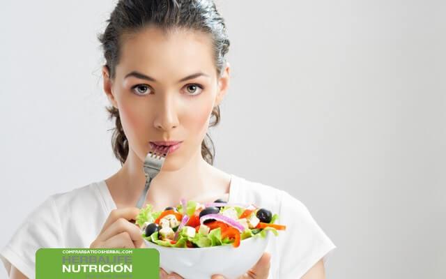 Batidos de Herbalife y verduras para una dieta saludable