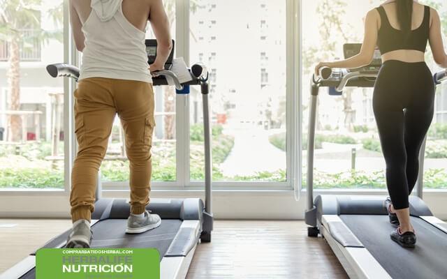 Instrucciones para bajar de peso después de los 40 años